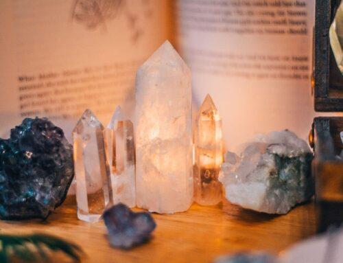 10 pietre și cristale care alungă energia negativă